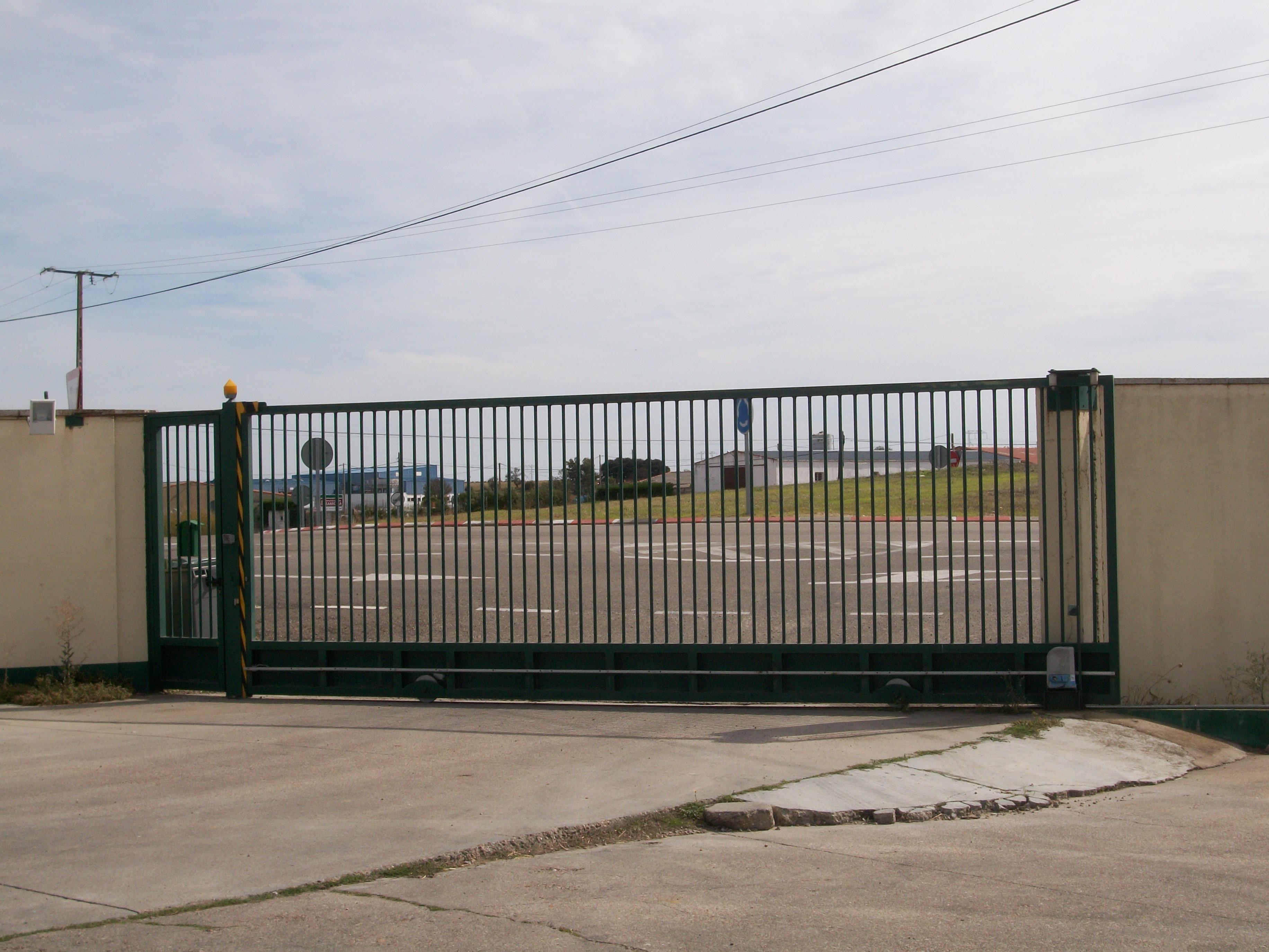 Puertas automaticas mantenimiento de puertas automaticas - Mecanismo puerta garaje ...